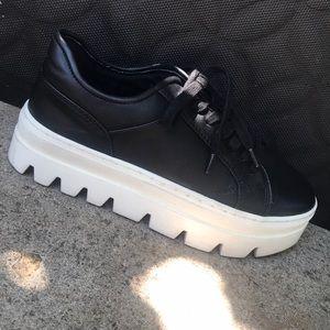 Steve Madden Black leather high platform shoes